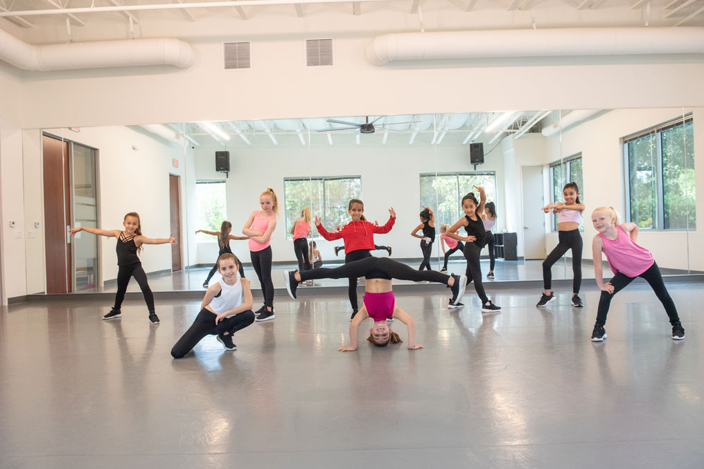 Young girl in hip hop class